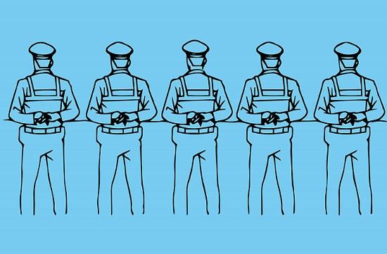 警察学校 集団行動の大変さを痛感する
